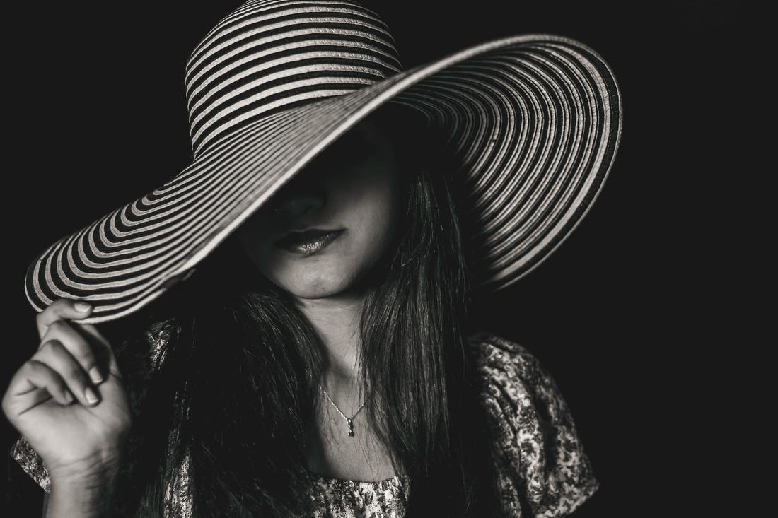 Nine: Black & White